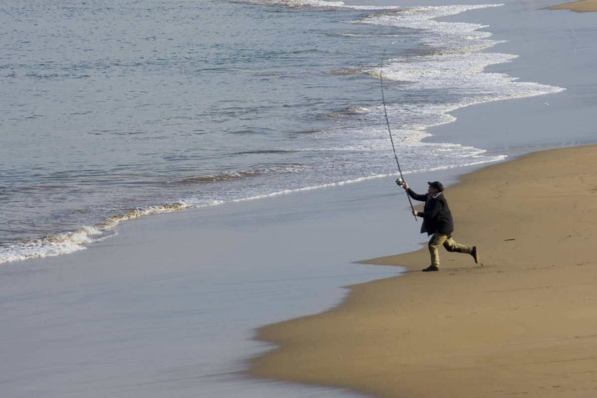 Can You Use 6-Foot Rod For Surf Fishing