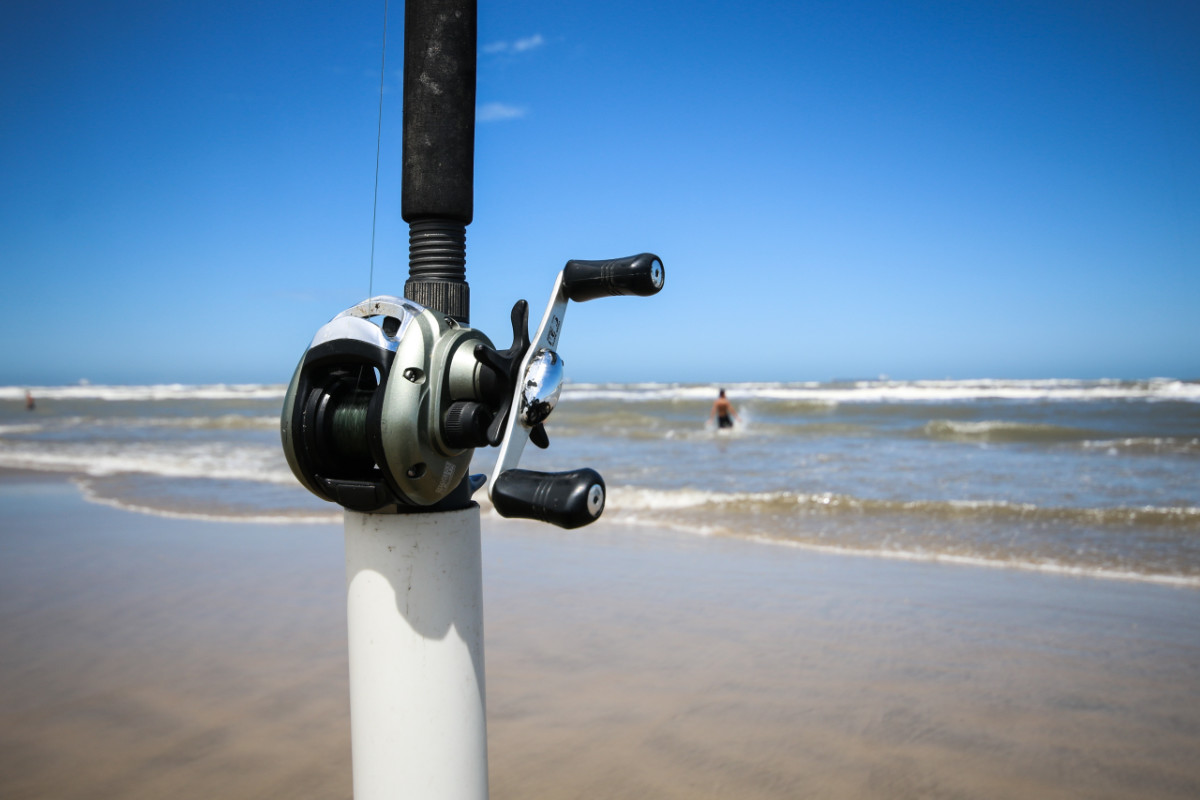Do You Need a Baitcaster For Surf Fishing?